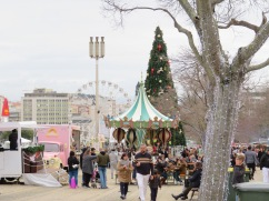 """There was a """"Winter Wonderland"""" all along both side of the Parque Eduardo VII. All kinds of vendors, crafts, food, games, music etc.."""