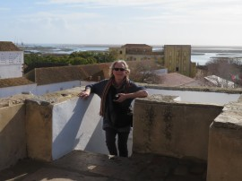 Climbing to the top of Faro Cathedral, which was built in 1251!!