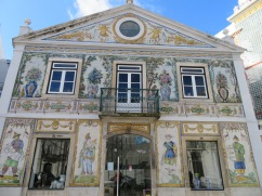 This old building has been transformed into an amazing inexpensive shop filled with Portuguese products, of quality!