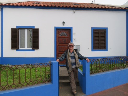 We had this wonderful three bedroom, two bathroom fisherman's cottage as our base. It was perfect.