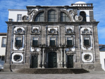 A large building that now houses an art gallery.