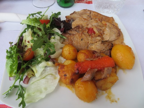 carne no forno...roasted pork in the oven......oh so very very delicious....we all licked our plates,