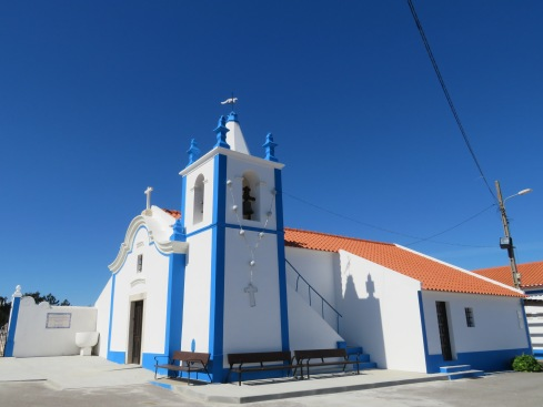 The old church in the tiny town of Raposa where we stopped for coffee then ended up visiting the church and cemetery.
