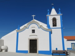 Another angle of the church.....and yes, the sky was that clear and blue.