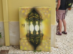 The electrical boxes in Silves have all been painted by local artists. I love this one.