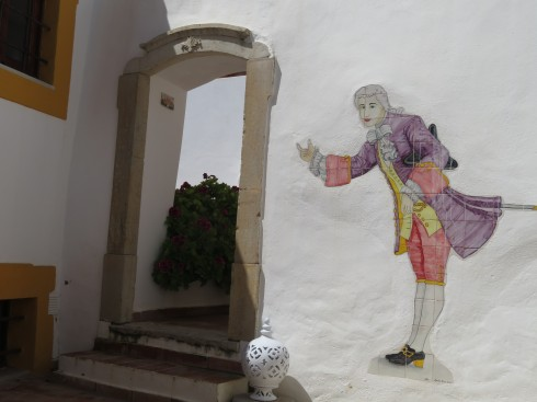 A lovely walk around Estoi before lunch on Tuesday. Saw this scene over a wall leading into a private garden.