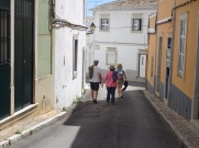 A lovely easy stroll down through the empty streets. A typical Saturday afternoon.