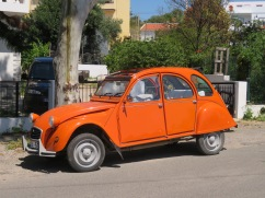 This old Citroen was sitting at the entrance way to the market grounds when we were leaving. Great colour!