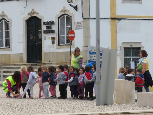 We met in the square this morning for a bica before heading out. Saw the day care centre folks taking the kids for a walk. Cute.
