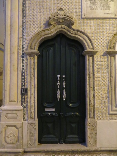 The doors in this town are exquisite.
