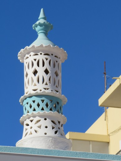 This lovely chimney reminded me of a wedding cake.