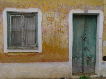 The colours and textures of this old building demanded to be photographed.