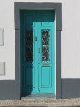 I loved the colour in this door and the way the sun was kissing it