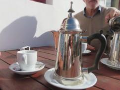 When you order tea.....wow, do you get service!!!