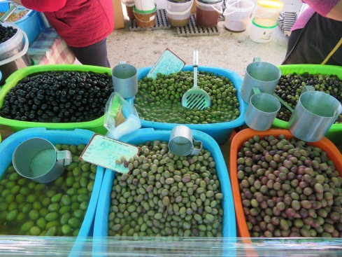 So many varieties of olives