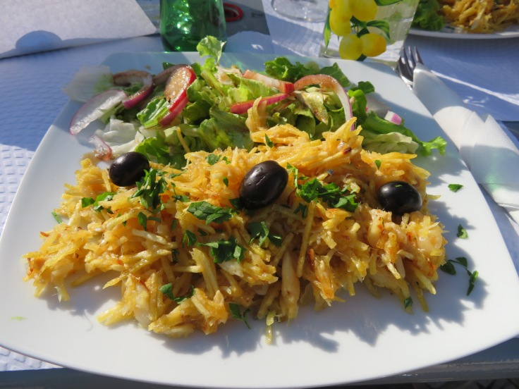 And our fabulous bacalhau a bras for lunch. We licked our respective plates.