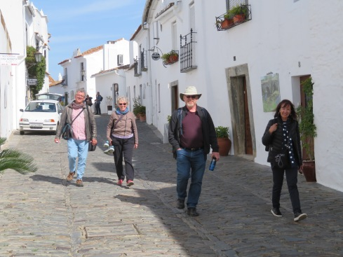 Looking for our hotel and our first impressions of Monsaraz.