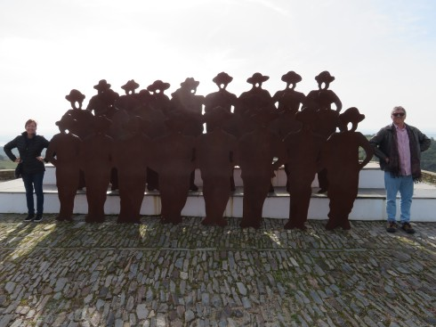 We saw this real life mens group perform last year in Faro. Here they are (in silhouette) with two new members!!