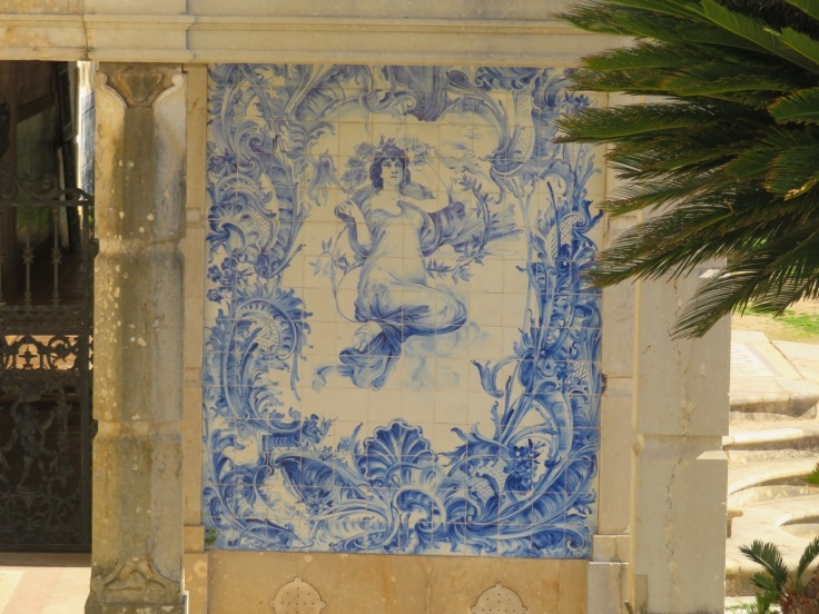And last but not least, this lovely tile caught my eye. tucked away in the gardens of the Pousada. I'm not certain I noticed it before today.