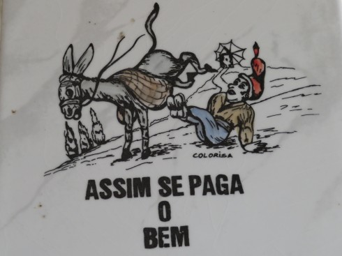 Translated it means.....Thus Well It is Paid......I'm sure it is slightly different in Portuguese
