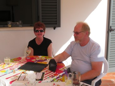 Joan and Gary getting ready to play KingsCrib....a new game Pat M brought with her.