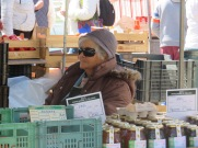 Incognito selling honey!