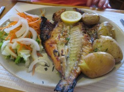 We walked down to Cantina da Lili's for lunch. Pat had douradop