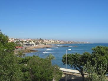 A drive along the coast back to Lisbon.