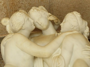 The Three Graces in the grotto at the Pousada.