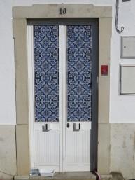 Tiles always brighten up an otherwise boring doorway.