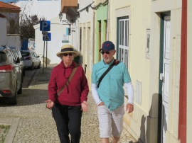 Patricia and André enjoying a good gab.