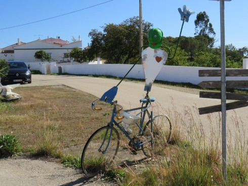 I loved this roadside ornament. I love that somebody took the time to make it and install it.
